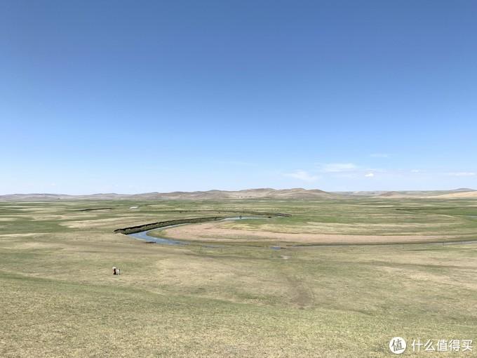导航顺着金帐汗部落一直往里开,结果开了很久才到了一处观景台,往下一看就是莫日格勒河。