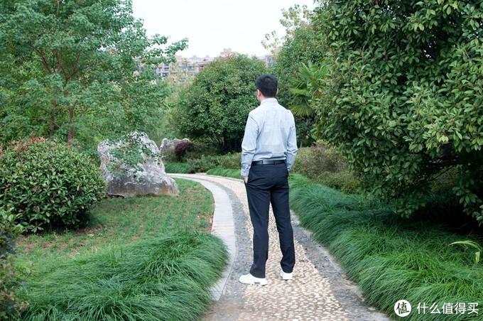 媳妇给买的修身长裤,愣是被我穿出了休闲风,这款型169值吗?