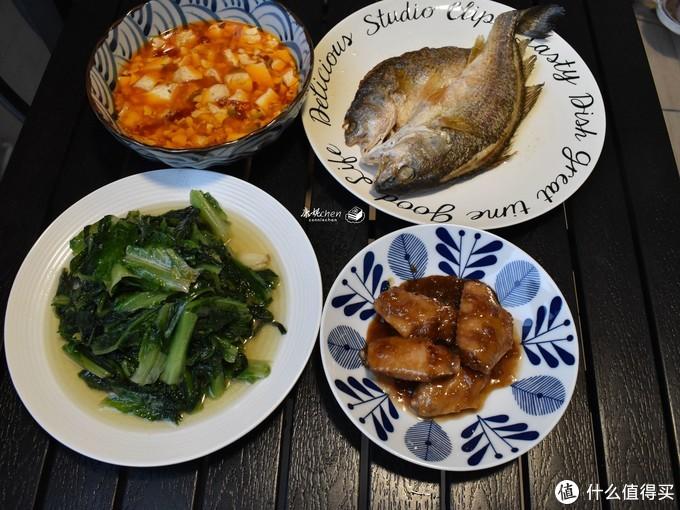 下班做了4道菜,简单却好吃,生活要有仪式感
