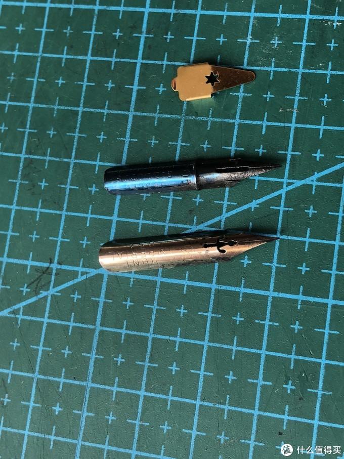笔尖,就买最普通的日常书写练字的就好。上面烤蓝色笔尖上的黑色是碳素墨水的残留