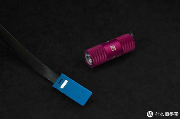 点亮粉红色的关爱:Olight 傲雷 i1R2钥匙链手电