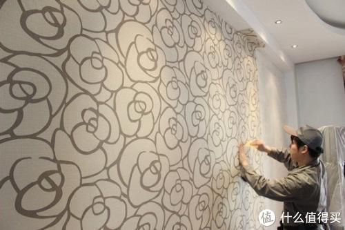 家中万万不要贴墙纸了,难怪身体越住越差,聪明人用这种材料替代