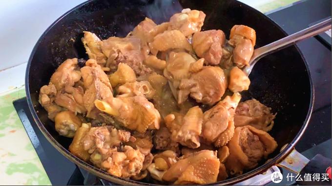 秋天多炖鸡肉吃,学会这个秘制做法,上桌抢着吃