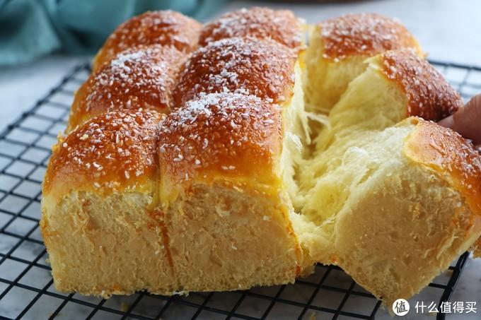 这面包自己在家就能做,不用黄油不用高粉,柔软真好吃