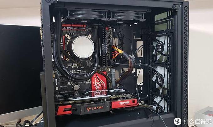 """让电脑拥有一个""""冷静""""空间:九州风神玄冰50+堡垒240水冷套"""