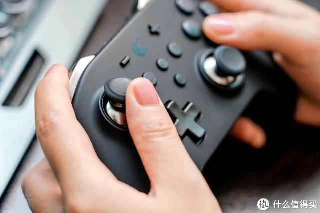 打游戏还是要手柄的,来看看这款多平台通用体感手柄吧
