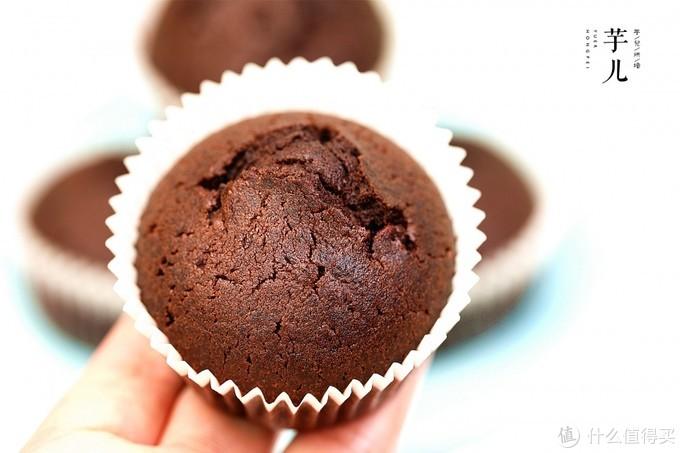 巧克力纸杯蛋糕最简单的做法,无需打发搅一搅OK,香浓美味零失败