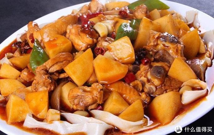 不可错过的新疆大盘鸡!连配菜都不能错过
