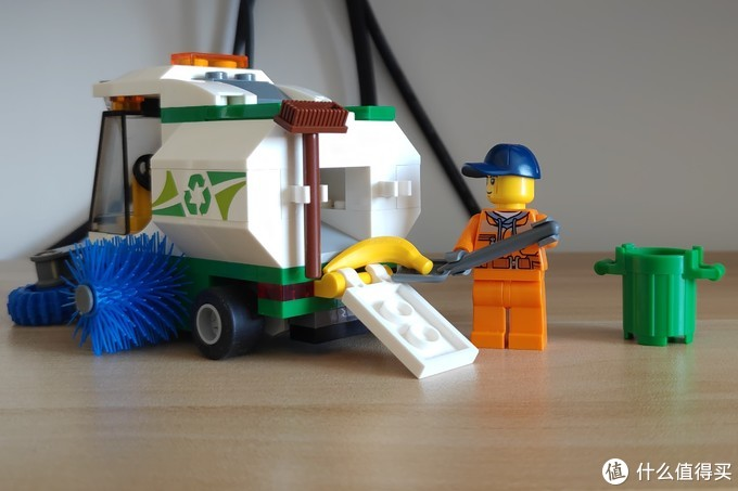 秋天的落叶交给他!——LEGO 乐高城市系列 60249 道路清扫车