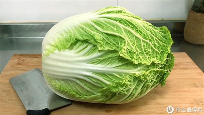 白菜吃不完不好保存,学会这个好办法,放半年不烂