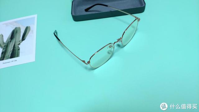 超轻β钛加持,极简复古百搭造型,米家防蓝光眼镜护眼新时尚