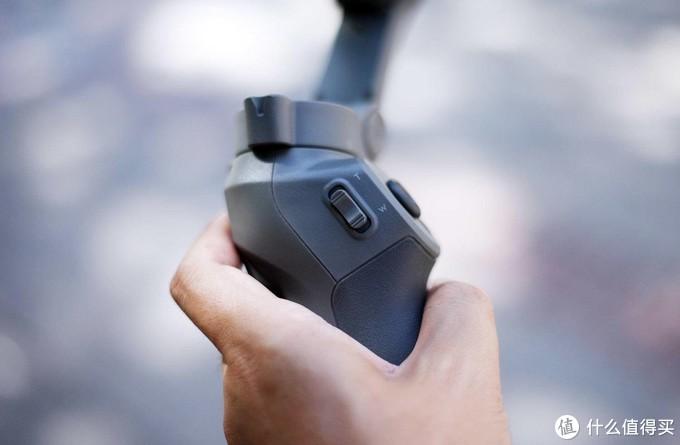 最便宜的大疆稳定器好用吗?大疆 Osmo Mobile 3 灵眸手机云台测评