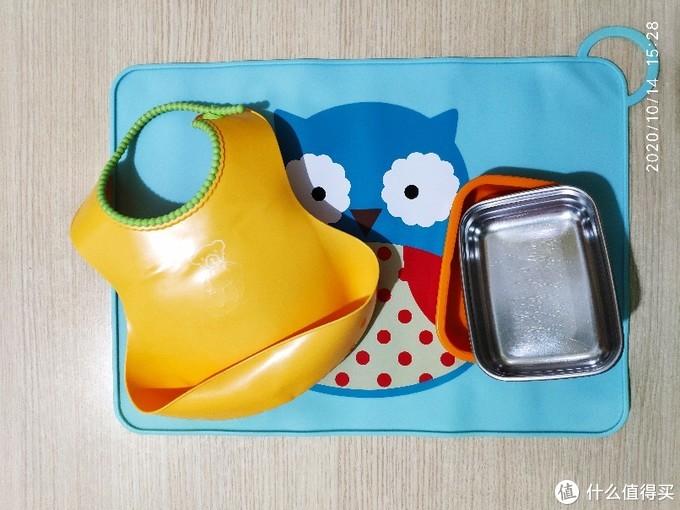 餐垫、围兜及饭盒