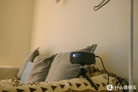 100寸的卧室大影院,观影终极装备:微果H6Plus体验