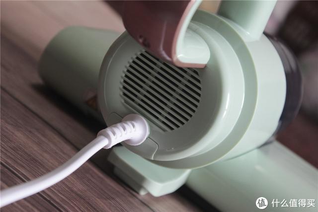 小电器解决大问题!大吸力多重过滤,苏泊尔除螨仪紫外线杀菌更方便