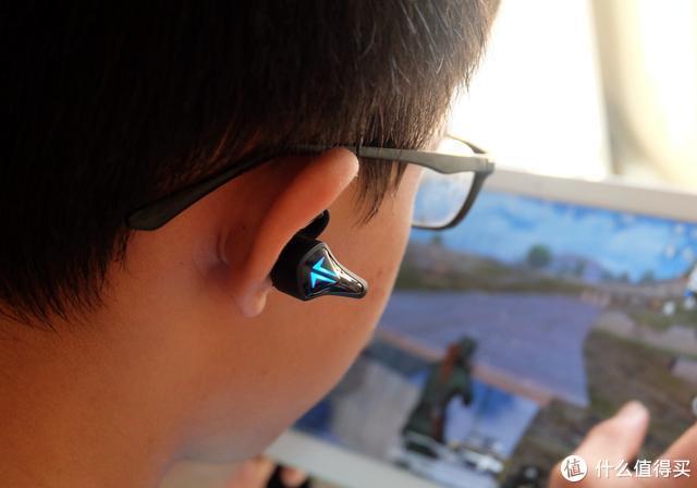 游戏快人一步 分享潮牌Tezo Spark入耳式蓝牙耳机