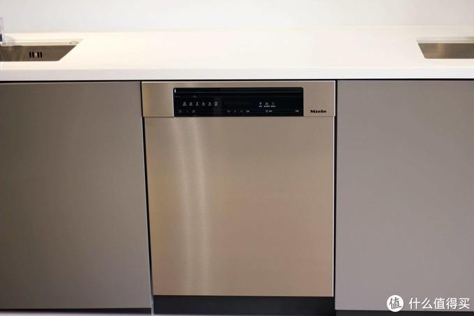 自信源于实力,细节打造精品 - 美诺G7000系列洗碗机探店实测