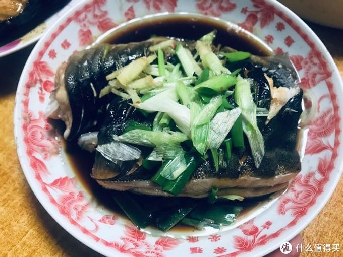 水中贵族鲟:记录我的第一次品鉴,吃的过程历经磨难,比吃唐僧肉还难!