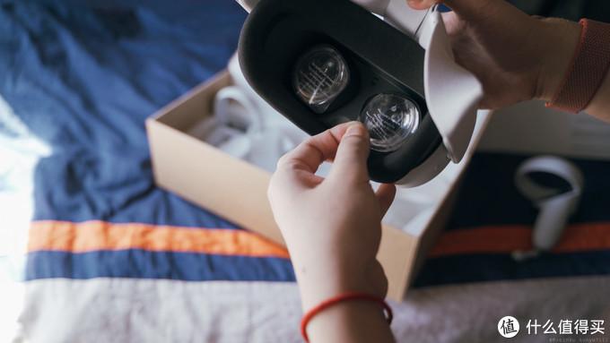 撕掉菲镜(Fresnel lens)的保护膜(后面有时间会补上开箱视频 让大家听撕膜撕个爽)