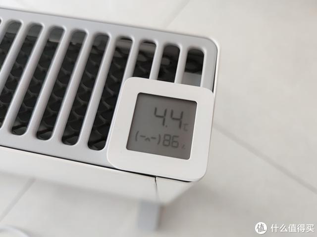 小米生态链推出带屏智能电暖器,大功率加热,自然对流不干燥
