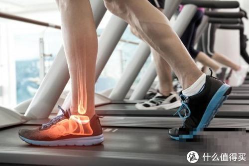 跑步机一定伤膝盖?AI柔性减震跑步机给答案