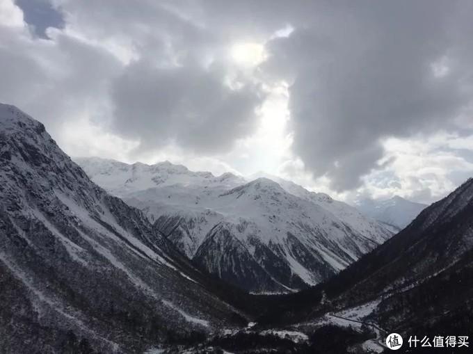 去往墨脱的雪山