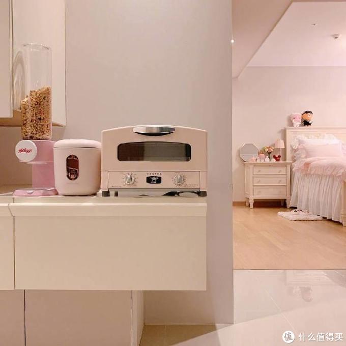 杭州两闺蜜的45㎡之家,浴室追剧喝香槟,我的少女心爆棚了