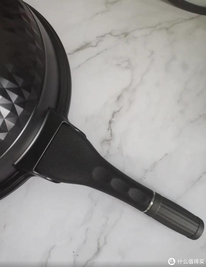 """厨房不归路│巨适合租房的帝伯朗不粘锅,不仅仅是不粘,还""""抗打"""""""
