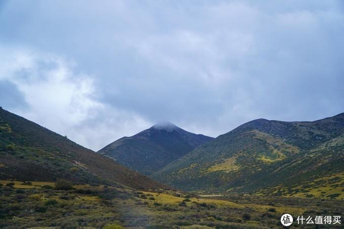 稻城亚丁到巴塘,途径天空之城理塘,蓝天白云的感觉太棒了!武汉到拉萨,川进青出!自驾游第8天!
