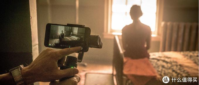 iPhone 12还没开售,已经被拿来拍电影了!奥斯卡三连冠得主卢贝兹基掌镜,内含绝美短片
