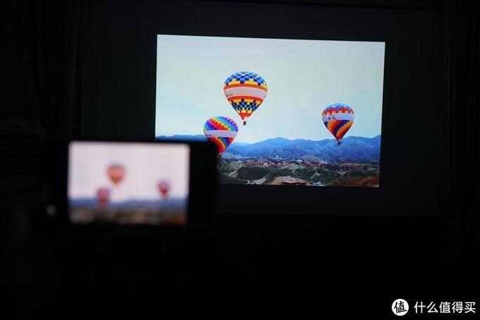 当贝投影D3X:色彩艳丽,大屏高清,打造专属影院就这么简单
