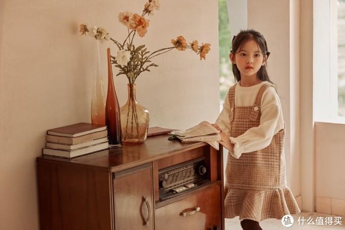 10.16打卡 萌娃穿搭  秋冬季怎么 能少了甜美可爱的背带裙