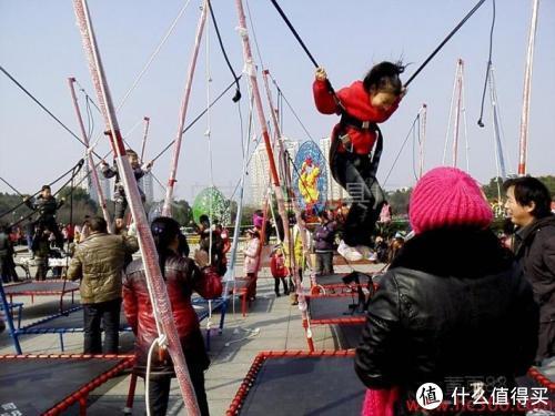 这4款儿童游乐设施,既危险又容易传染疾病,不要再让孩子玩了