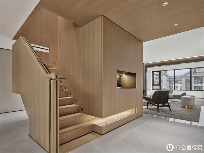 好不容易买了别墅,该如何装修?他家225㎡,现代东方风太美了!
