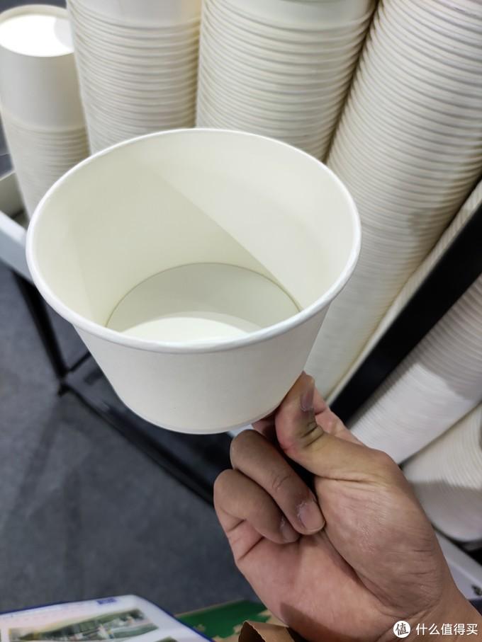 这是个碗,大小就是炸臭豆腐那个碗