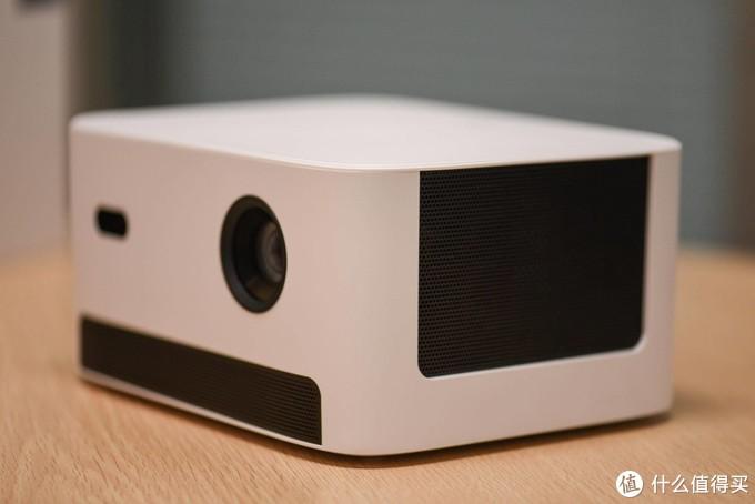 玩投影仪也可以简单时尚——当贝D3X投影仪体验测评
