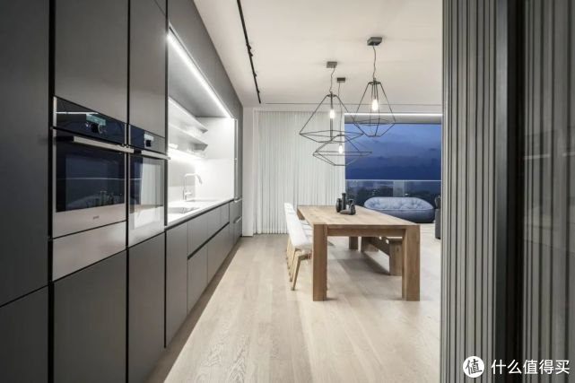 """127㎡闲适现代公寓,玄关太美了,让人一进门就想""""捉迷藏""""!"""