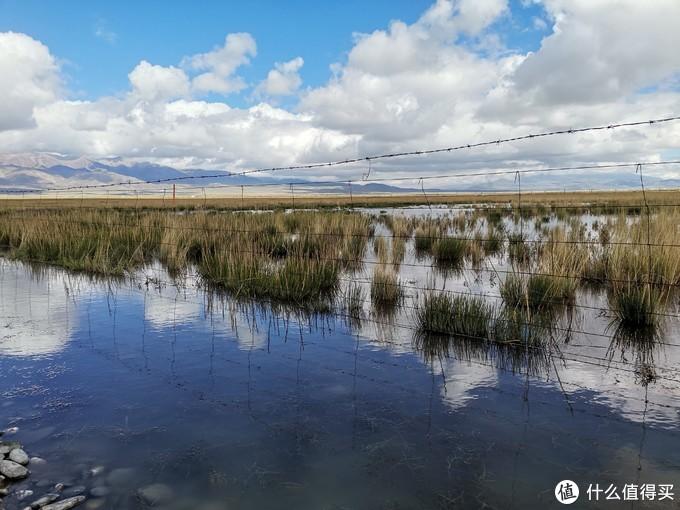 去往青海湖途中的蓝天白云