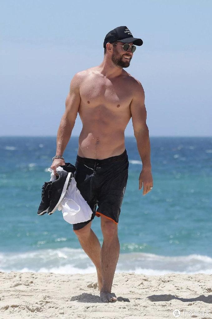 最爱裸上身拍戏的男星排行出炉,超人、海王进前三,榜首的一半戏份都要秀肌肉,莱昂纳多神奇入选