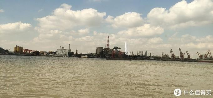 闵行澄江路轮渡/陈行渡口/这是距离最近的轮渡,一条铁索线横大江