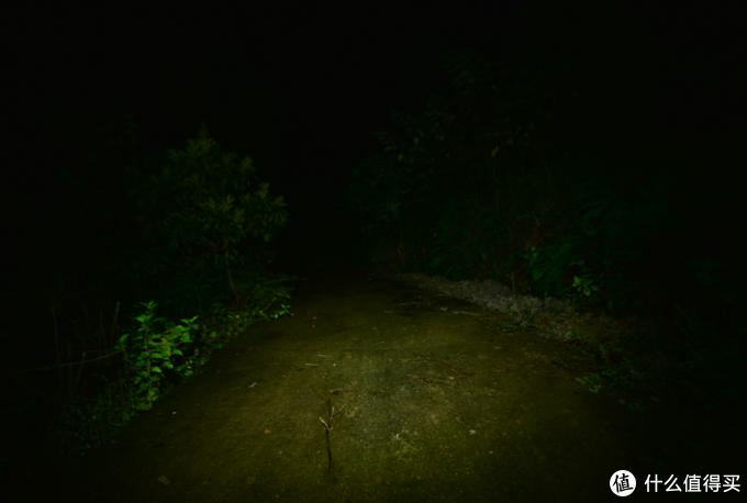 探索黑暗——奈特科尔NU35混合动力头灯体验