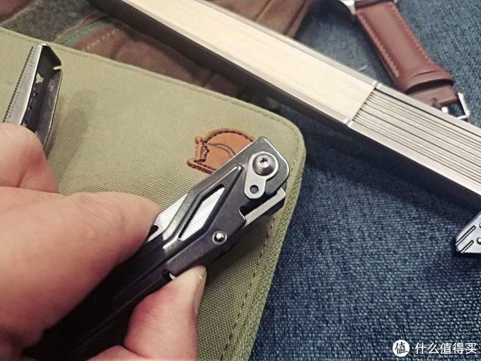 硬派绅士啥都会-SOG迅猛龙工具钳、钥匙刀体验