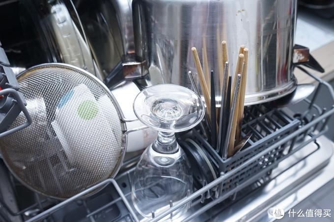 双十一你还在犹豫?小厨房也能一劳永逸,台上洗碗机推荐