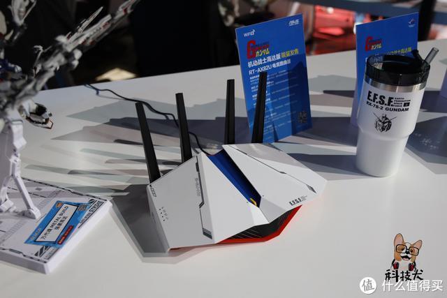 高达联名款华硕电竞显示器抢先体验:元祖/扎古,选谁?