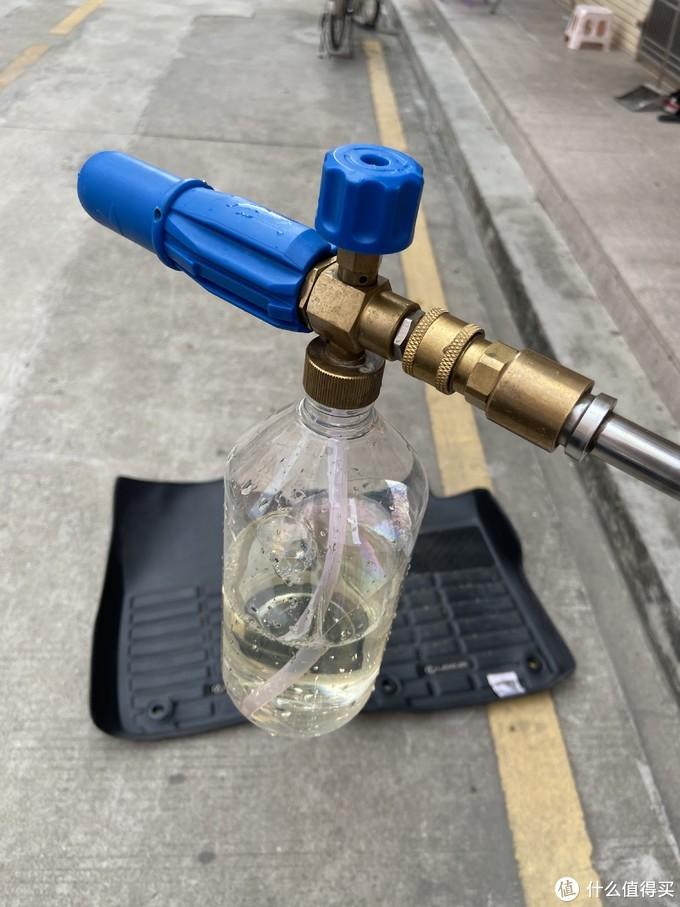 预洗液,并不是有泡沫就行,需要真正能软化污垢的预洗洗车液