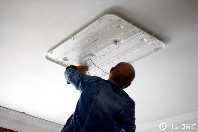 智能吸顶灯界天花板就是它?Yeelight 光璨系列全面评测
