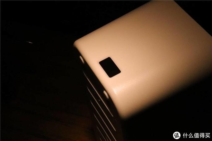 让插排线材无迹可寻,奥睿科智能USB收纳盒插排轻体验