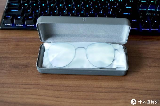 打破行业高价规则 米家防蓝光眼镜 钛轻盈低调来袭