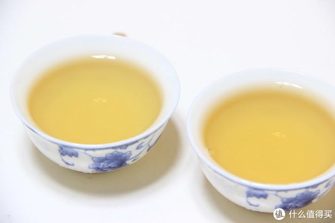 在白瓷品茗杯中的表现——正山堂