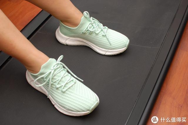 时尚又轻弹,一款让跑友种草的鞋子:FREETIE 云弹轻跑鞋